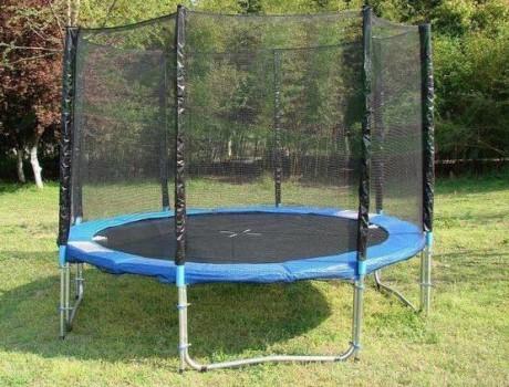 bezpieczna trampolina dla dzieci