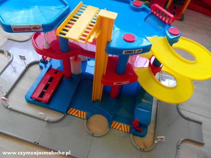 parking poziomowy dla dzieci