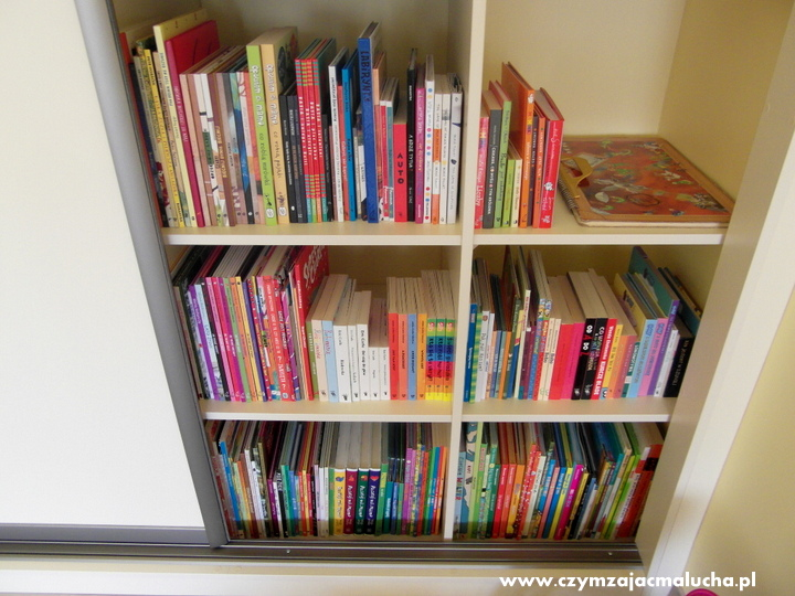 przechowywanie książek dla dzieci