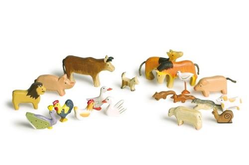 drewniane figurki zwierząt